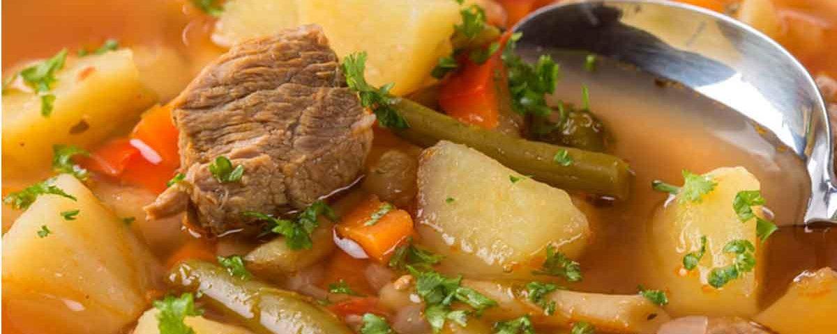 Ciorba de vaca cu cartofi si fasole pastai
